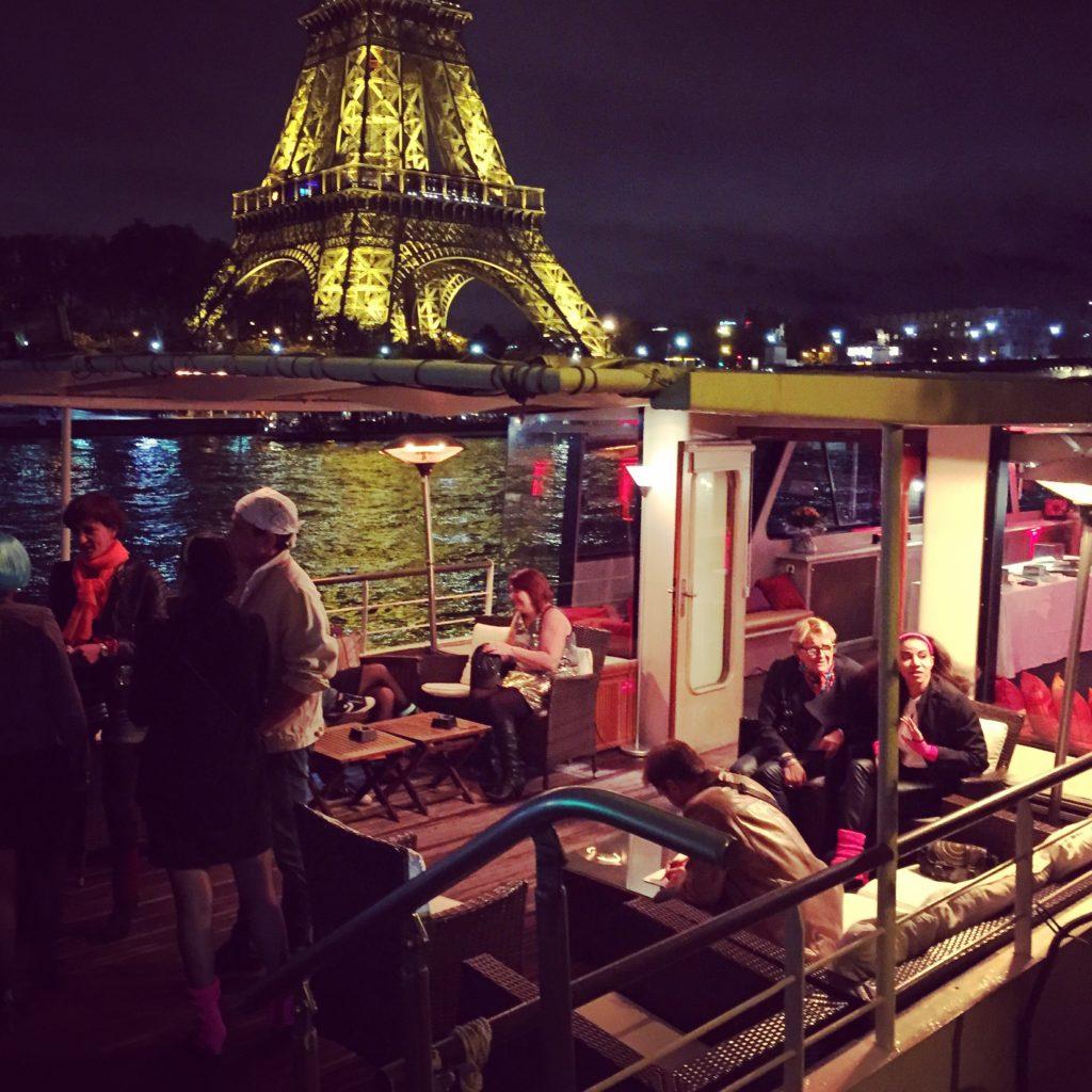 Un anniversaire Original sur une péniche privée sur la Seine